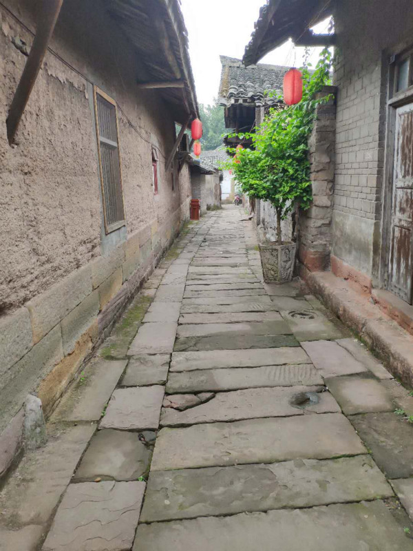 Chongqing's Songji Ancient Town attracts media attention