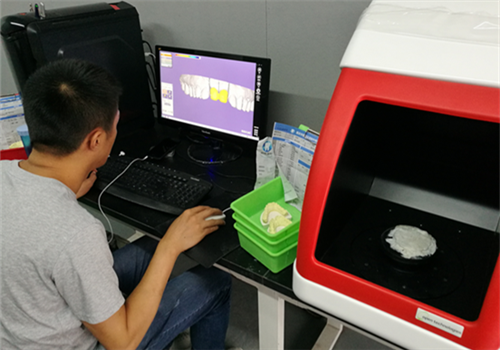 3D printer fills gap in dental market