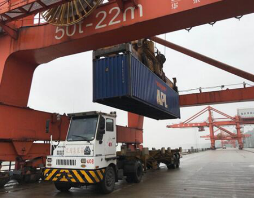 Liangjiang port realizes railway-river-sea intermodal transport